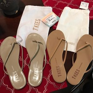 Two pairs of size 11 TKEES. See description